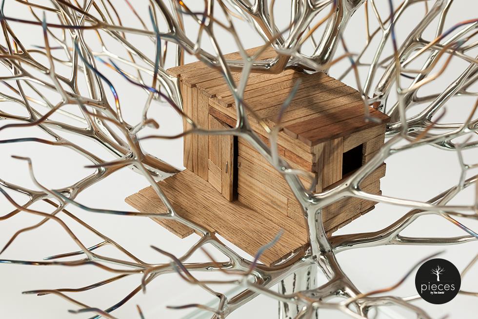Tim Bardel - Pieces 2014 - handgefertigte Edelstahlbäume - #5 Detail Baumhaus